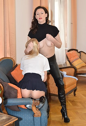 British Lesbian Porn Pictures
